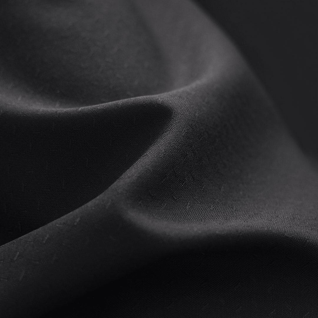 lana material costum mire