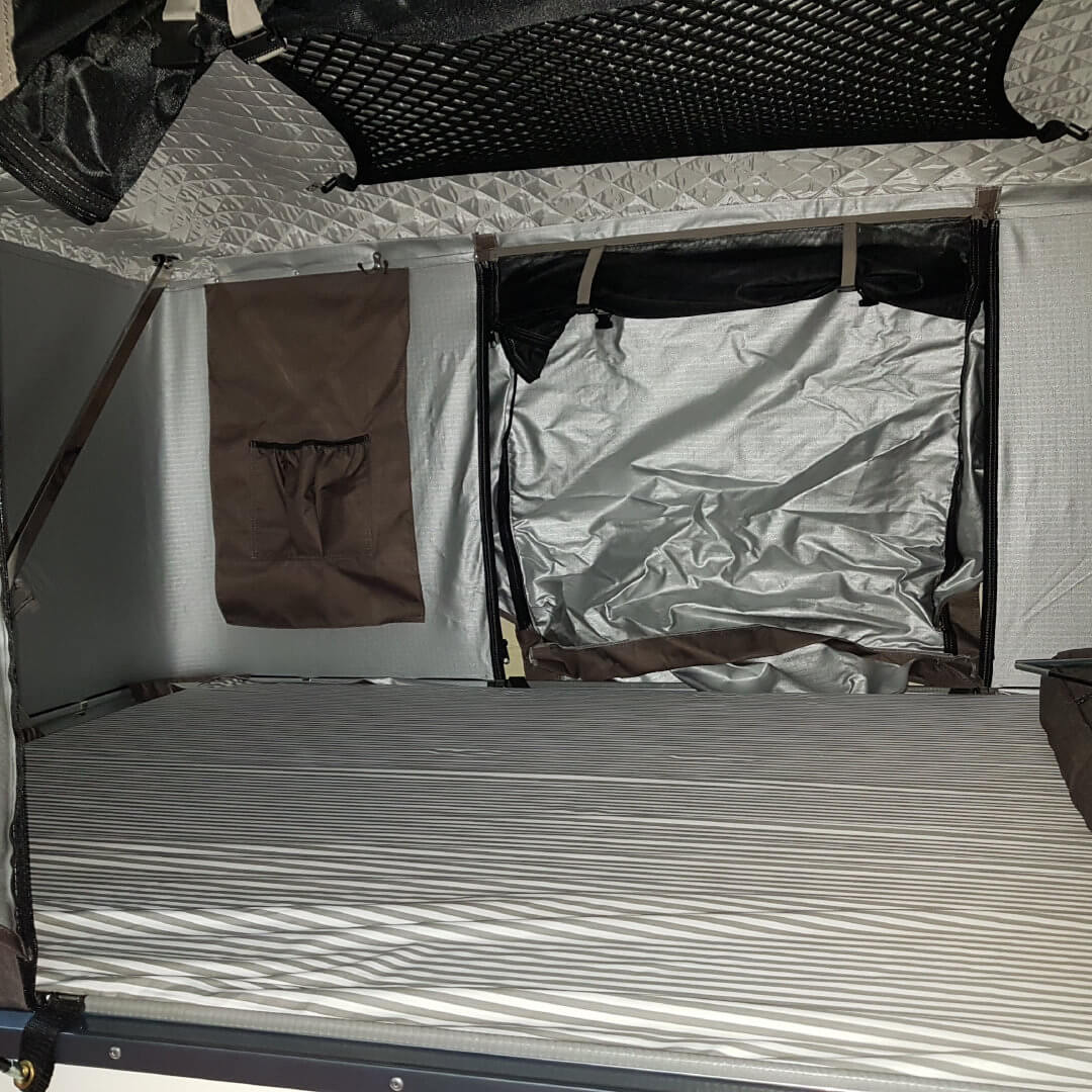Direct4x4 Accessories UK   Hard Shell Expedition Roof Top Tent