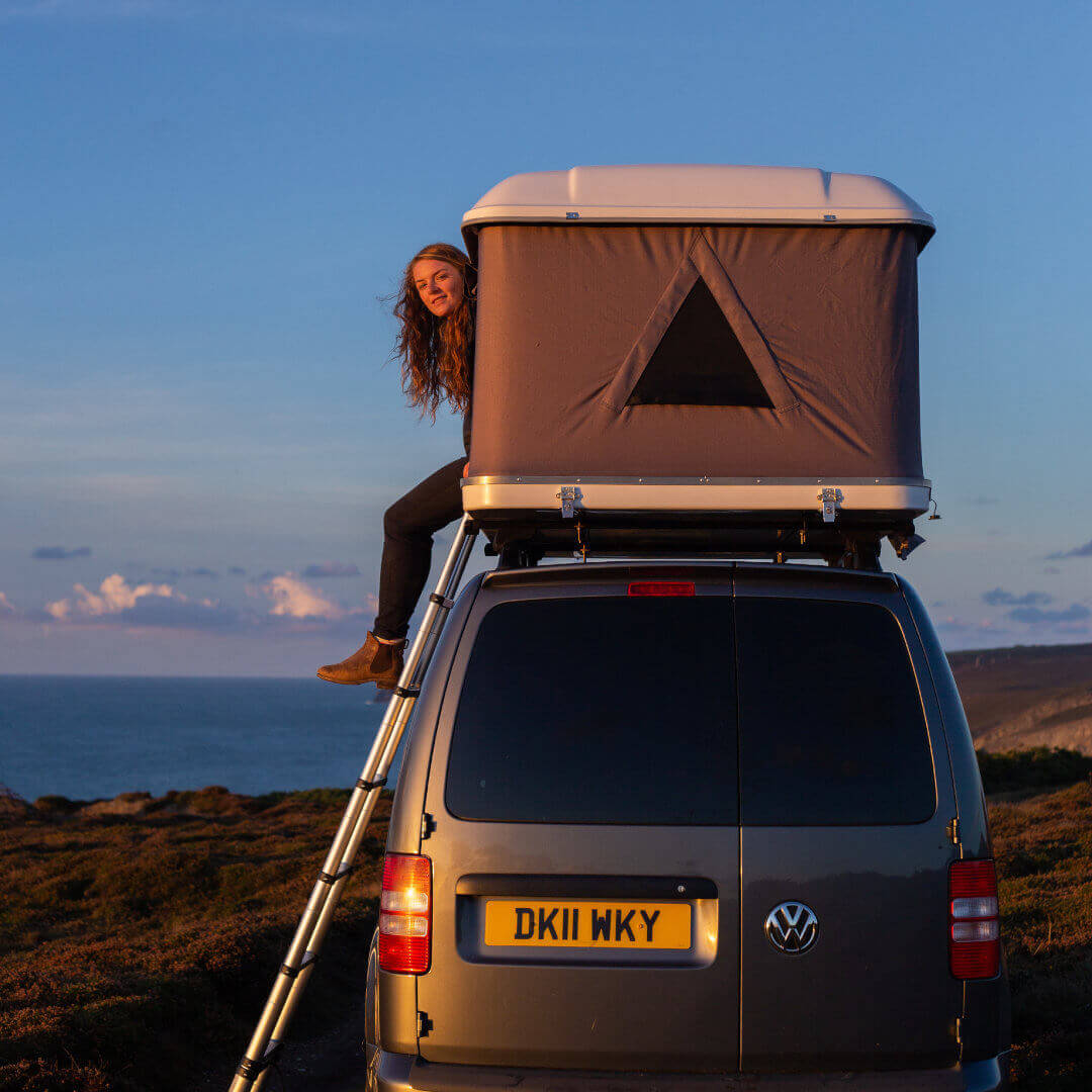 Direct4x4 Accessories UK | Hard Shell Roof Top Tent Black Friday Pic