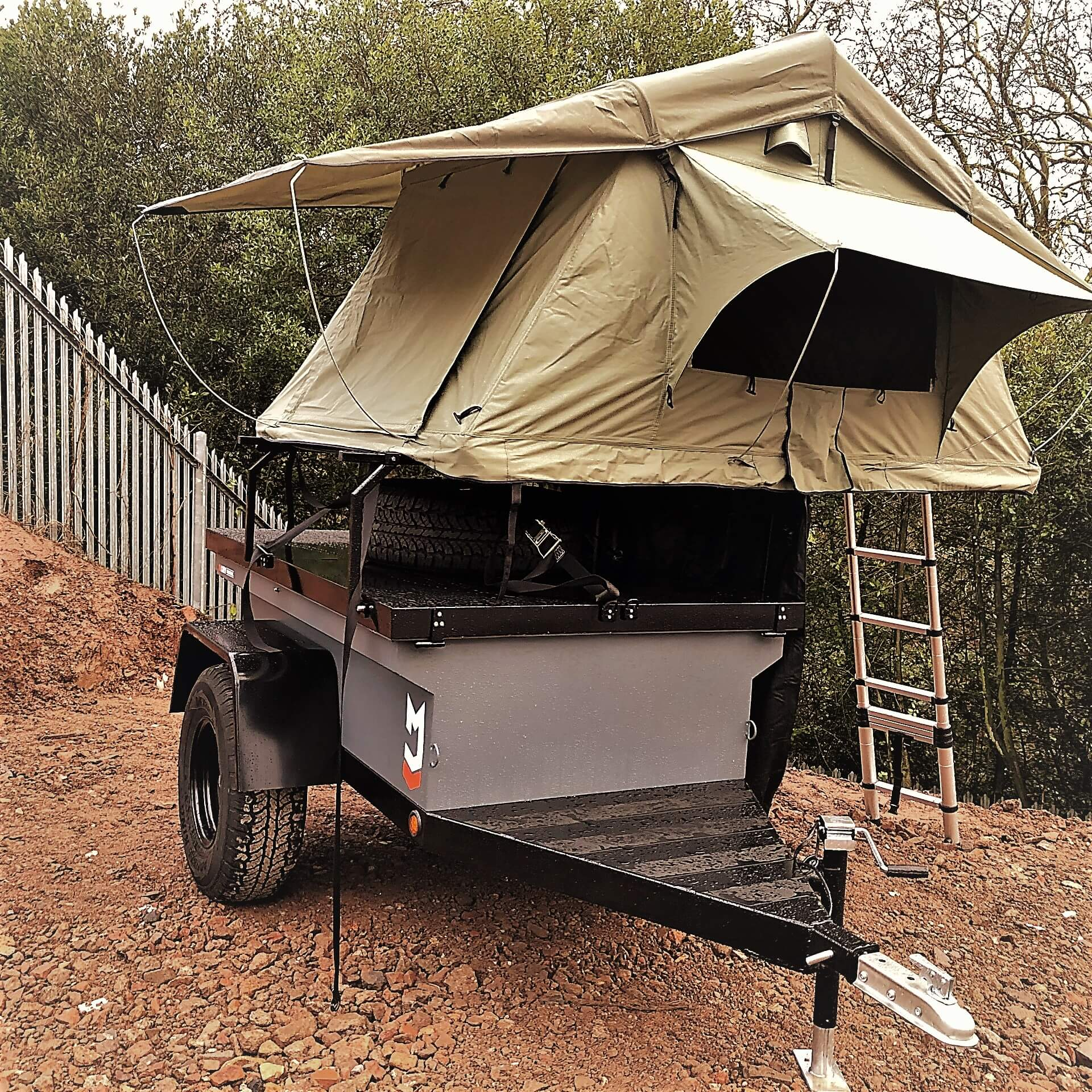 Direct4x4 Navigator expedition trailer with 3 person roof top camping tent on gravel